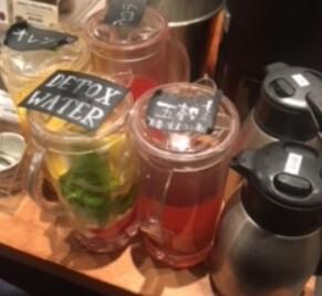 デトックスウォーターと五穀茶